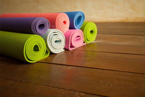 elegir esterilla yoga