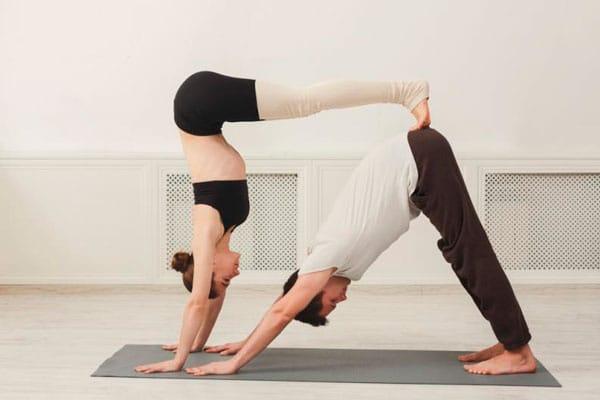 yoga acrobatico pamplona