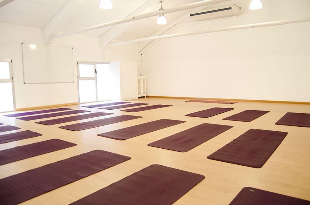 clase yoga centro pamplona